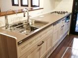 キッチンリフォーム開放的で使い勝手の良い、明るいキッチン